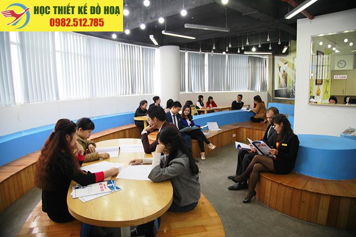 Môi trường học thiết kế đồ họa tại Hà Nội của Việt Tâm Đức