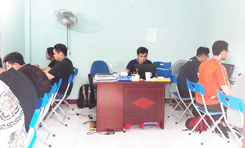 Hình ảnh lớp học thiết kế đồ họa quảng cáo tại Dương Nội, Hà Đông, Hà Nội